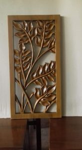 Hiasan dinding ukiran daun