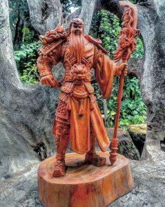 Patung kayu Guan yu