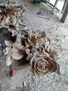 Ukiran bunga mawar