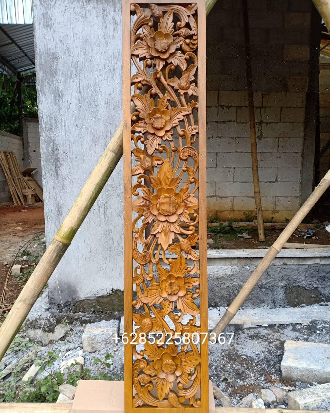 Ukiran dinding bunga relung