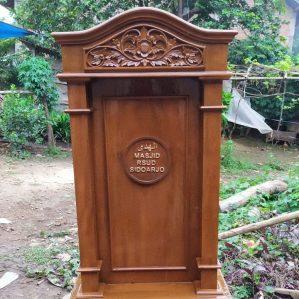 Podium masjid