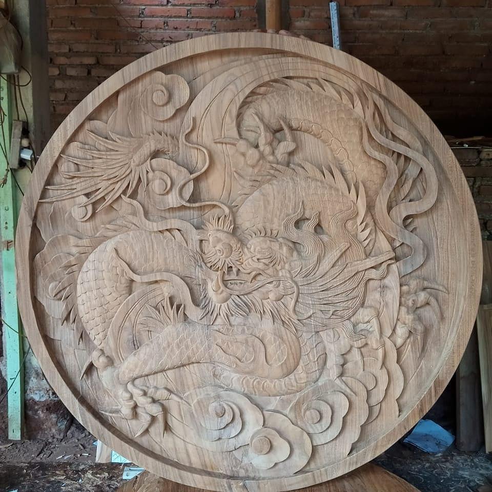 Ukiran dinding motif naga