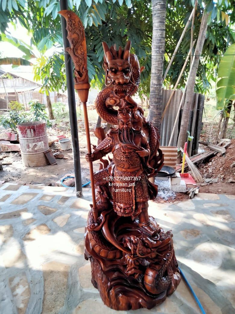 Patung kayu Kwan Kong